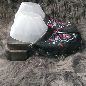 Vintage Shoes - Vtg Rampage Deadstock Embroidery Wooden Clogs